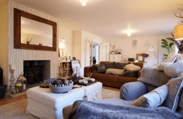 Living Room Lounge Area